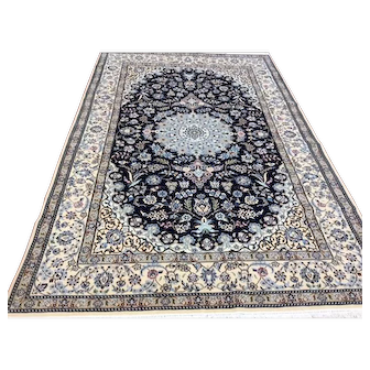 Fine Persian Silk and wool rug-4539