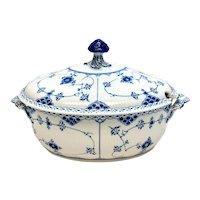 Royal Copenhagen Porcelain Lidded Tureen in Blue Fluted Half Lace Border #595