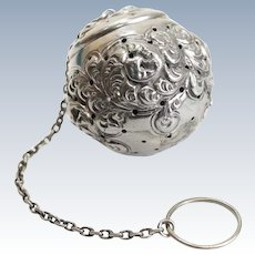 Gorham Mfg Co Sterling Silver Tea Ball Infuser #439, 19th Century.