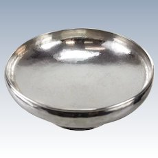The Kalo Shop Modernist Sterling Silver Hand Wrought Footed Bowl, circa 1940