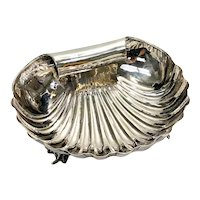 Buccellati Italian Sterling Silver Hand Hammered Clam Shell Conch Footed Bowl