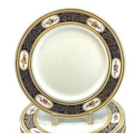 10 George Jones & Sons Crescent Porcelain Hand Painted Dinner Plates, circa 1910