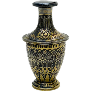 Spanish Toledo Gold Damascene and Carved Agate Scent Bottle, 19th Century