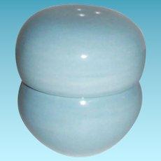 """Russell Wright """"Iroquois"""" Stackable Porcelain Aqua Salt & Pepper Set"""
