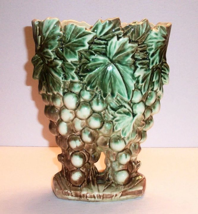 Mccoy Grapes Leaves Pottery Vaseplanter The Antique Chasers