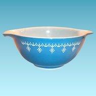 Pyrex 1 1/2 Qt Snowflake Design Cinderella Bowl
