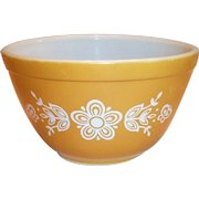 Pyrex Butterfly Gold 1 1/2 Pint Bowl