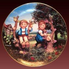 "Hummel: ""Apple Tree Boy & Girl"" Little Companion 1991 Plate"