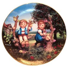 "Hummel: ""Apple Tree Boy & Girl"" Little Companion 1991 Plate"