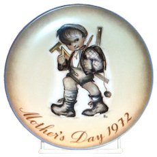 Berta Hummel 1972 Mother's Day Plate