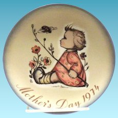 Berta Hummel Hand Painted 1974 Mother's Day Plate
