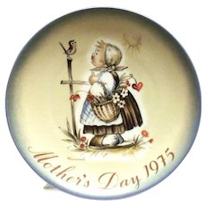 "Hummel ""Message Of Love"" Mother's Day Plate 1975"