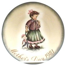 Berta Hummel: Mother's Day 1981 Hand Painted Plate