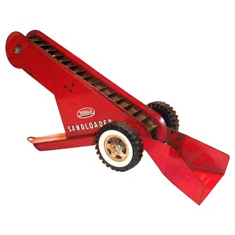 Tonka Toys Red Metal Toy Sandloader