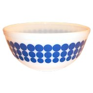 Pyrex Blue New Dot 2 1/2 Qt Bowl