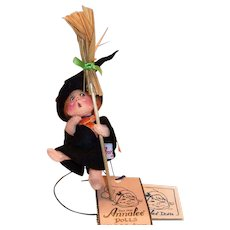 Annalee 1996 Small Halloween Witch Cloth Doll With Broom