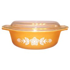 Pyrex Gold Tone With White Butterfly Design Covered Oval Casserole #043