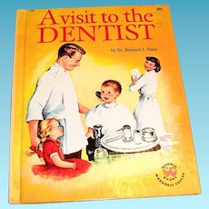 Wonder Books: A Visit To The Dentist Children's Book - 1959