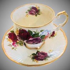 Elizabethan Bone China Footed Tea Cup/Saucer Roses Gold Stoke on Kent England