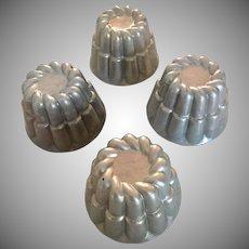 Vintage  Fluted Aluminum Molds Bundt Pans  Set of 4 Individual