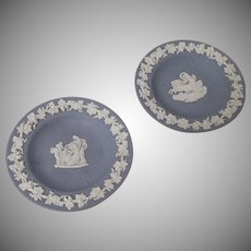 Pair of Blue Jasperware Wedgwood Decorative Bas-Relief Small Plates, Signed