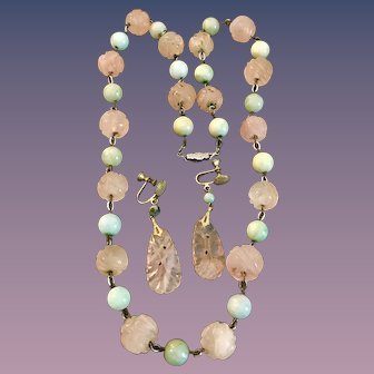 1920-1930s carved Jade and Rose quartz beaded necklace and matching drop screwback earrings.