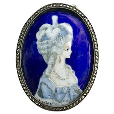 A lovely vintage enamel and handpainted silver European pendant.
