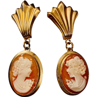 A lovely vintage pair of 14k carved shell cameo drop earrings.