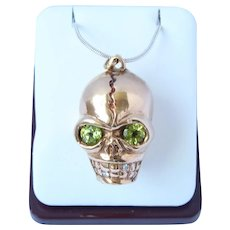 Momento Mori 10K Diamond Peridot Skull Pendant