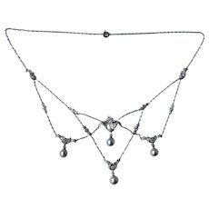 Edwardian Platinum 2.2 cttw Diamond Necklace