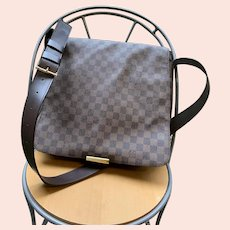Louis Vuitton Damier Canvas Ebene Bastille messenger bag