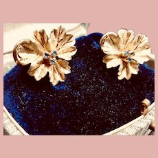 Vintage 18k Yellow Gold Pansy Flower Earrings with Sapphire Pistil