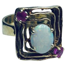 Vintage 14K Yellow Gold Opal and Ruby Ring