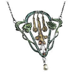 Antique Art Nouveau Green and Gold Enamel Floral Pendant Necklace