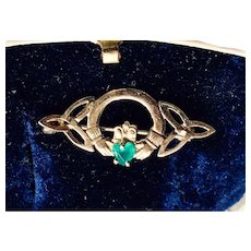 9K Claddagh Vintage Brooch with Emerald
