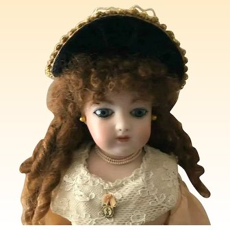 """French Fashion or Bebe Bonnet ~ Vintage Straw  for 8"""" - 9"""" Head ~ Artist Made"""