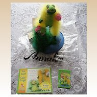 Annalee Special Fabulous Floozy Frog Doll