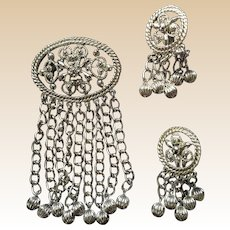 Sarah Coventry Fashion in Motion Pin Earring Set