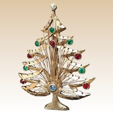 LJM Christmas Wire Wrapped Tree Pin