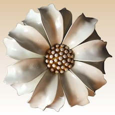 Crown Trifari White Enamel Daisy Pin