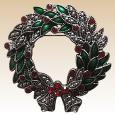 KC Marquisite Rhinestone Christmas Wreath Pin