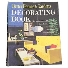 1961 Better Homes and Gardens Decorating Spiral Book