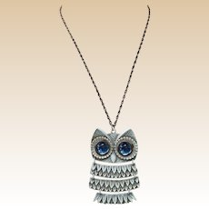Retro Painted White Metal Articulated Owl Necklace with Glass Eyes