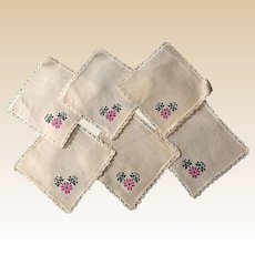 Hand Embroidered Linen Dollie Set