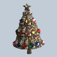 Hollycraft Rhinestone Christmas Tree Pin
