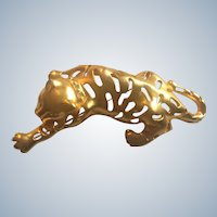 Vintage Large Asian Figural Crouching Gold Tone Tiger Pin With Rhinestones