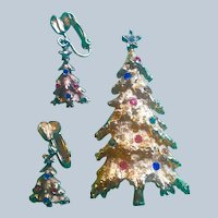 Signed Art Christmas Tree Pin and Clip Earrings