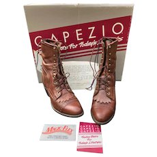 Vintage Woman Capezio Brown Leather Western Boots Size 9
