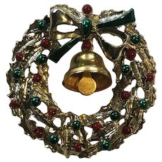 Vintage Christmas Wreath With Movable Bell Pin