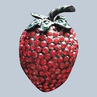 Vintage Weiss Strawberry Rhinestone Pin
